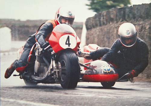 Sidecar race - Mark Kay driving, Ricahrd Battison passenger